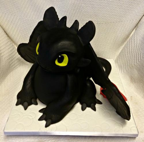 large.3D_Black_Dragon_Birthday_Cake.jpg.